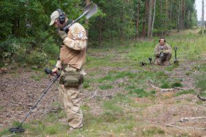 Poszukiwania na terenie Stalagu Luft 3 (fot. Marcin Butryn)